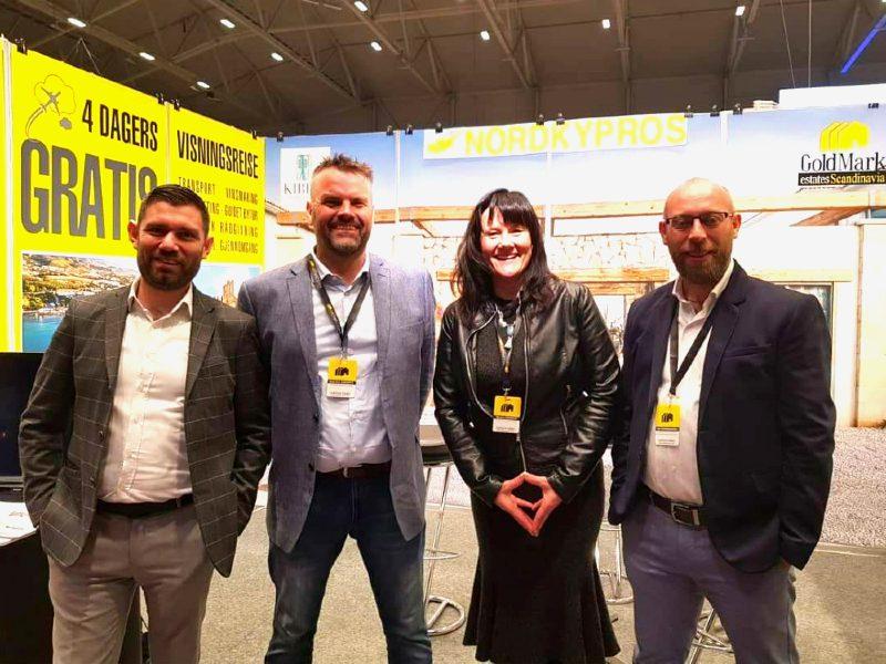 Fra venstre Osman Oran, Kjell ERik Oseberg, Monica O. Oseberg og Salih Değirmencioğlu på felles stand på Reiselivsmessen 2019.